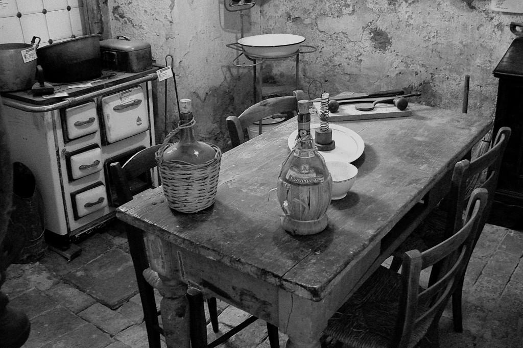 Vecchia cucina zoom giornale di brescia - Modernizzare vecchia cucina ...